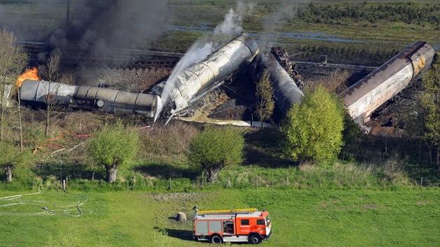 Fotos: Dos muertos por el incendio de un tren con sustancias químicas en Bélgica