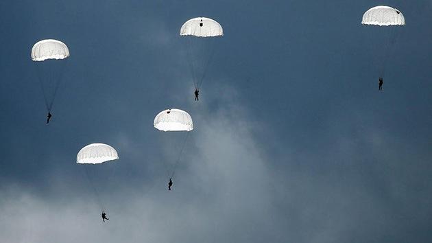 Tropas rusas de desembarco aéreo, en el Ártico por primera vez en la historia