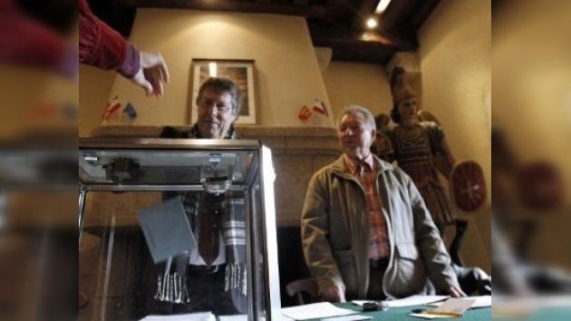 Francia celebra la primera vuelta de las elecciones presidenciales