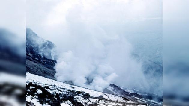 Dos volcanes de Kamchatka amenazan a la aviación