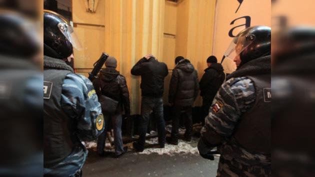 Detenidas 1.300 personas en Moscú en la lucha contra la violencia étnica