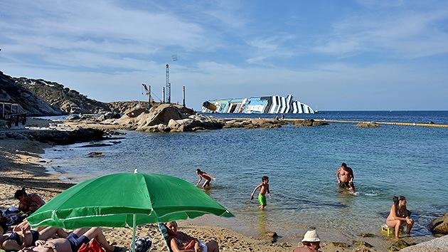 Los restos del Costa Concordia se convierten en destino turístico