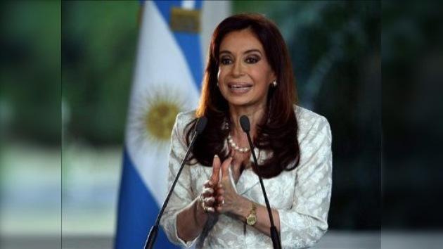 Presidenta argentina desplazó del cargo al titular del Banco Central
