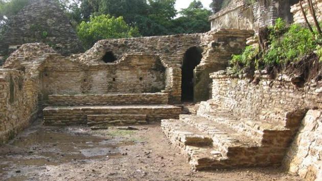 Descubren un teatro 'VIP' de los mayas