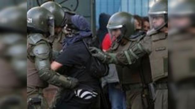 Chile: heridos y arrestados en una nueva protesta estudiantil