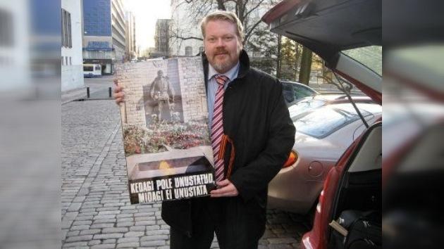 El historiador antifascista finlandés sigue sin permiso de entrar a Estonia