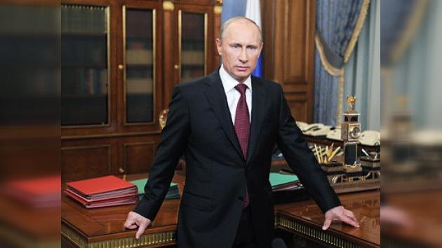 Analistas: con Putin Rusia va a restituir su papel de país poderoso