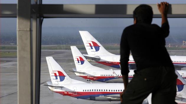 Detectan señales que podrían pertenecer a las cajas negras del avión de Malaysia Airlines