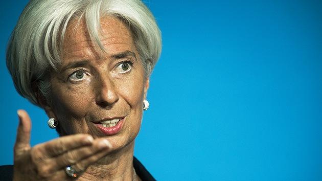"El FMI amenaza a Argentina con sacarle la ""tarjeta roja"""