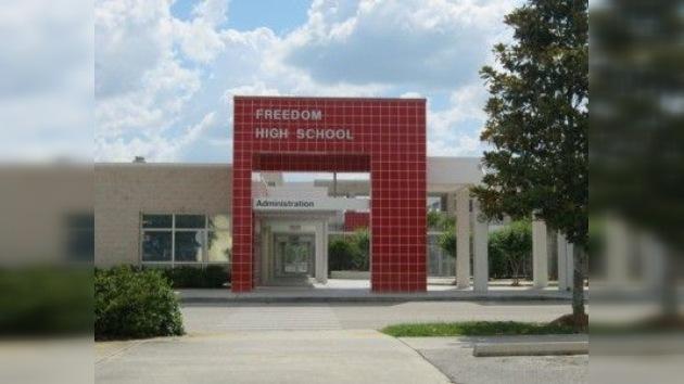 Detienen a un adolescente que planeaba una matanza en un colegio de Florida