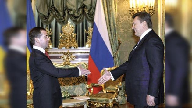 """Víktor Yanukóvich busca nuevos acuerdos con Rusia """"en todas las esferas"""""""