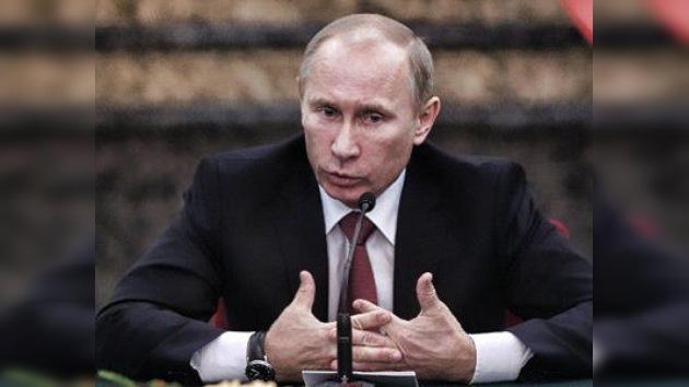Putin: el dólar como moneda única mundial influye negativamente en la economía