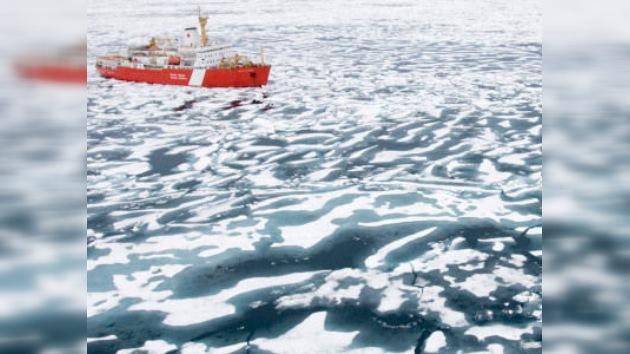 El deshielo del Ártico abre dos importantes rutas marítimas