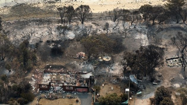 Video y fotos: Australia mantiene a raya la ola de incendios