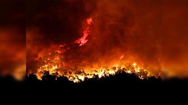 Un incendio afecta a más de 700 hectáreas en un parque natural en España