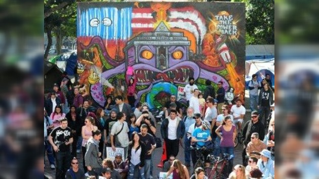 Los indignados apuestan por la manifestación... artística