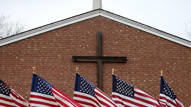 EE.UU.: Familia atea demanda a la escuela de su hijo por obligarle a decir 'Dios' cada día