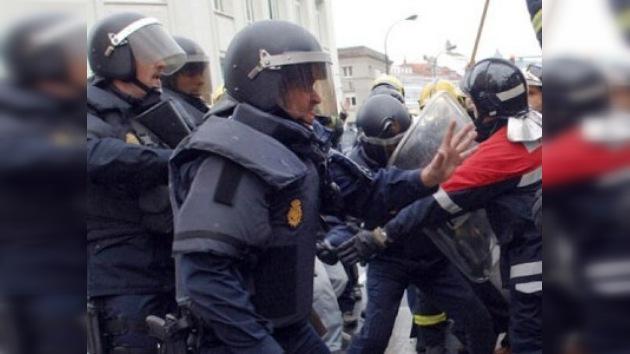 Enfrentamiento entre bomberos y policías en una ciudad española