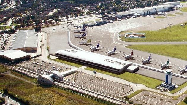 Evacúan el aeropuerto de Southend, cerca de Londres, por sospecha de bomba