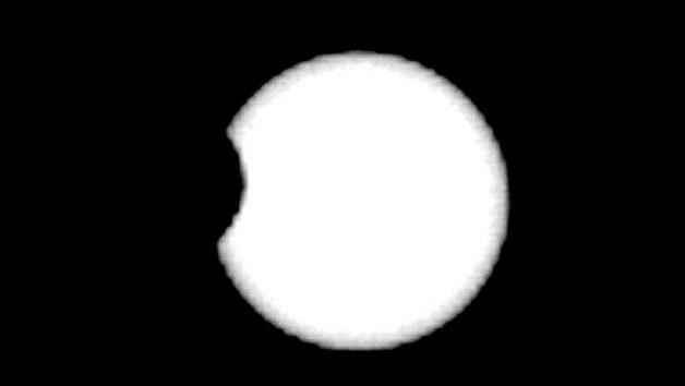 Video: El tránsito de Fobos ante el disco solar desde Marte
