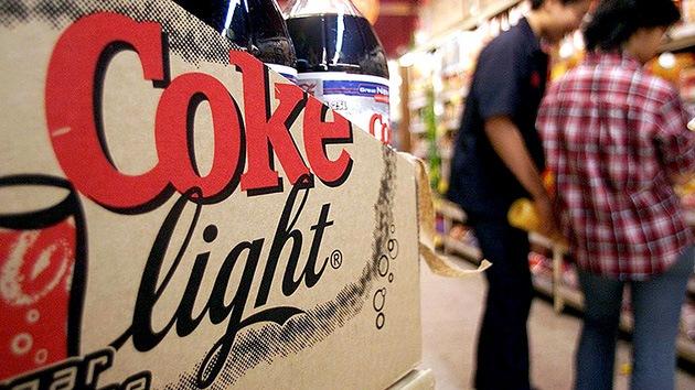 Delgado pero infeliz: el consumo de refrescos 'light' puede producir depresión