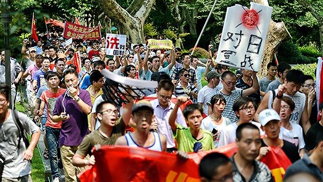 Fotos: Cientos de personas protestan en China por las islas en disputa con Japón