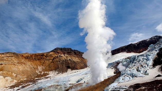 Fotos: Cuevas 'mágicas' de hielo en un volcán en el Lejano Oriente ruso