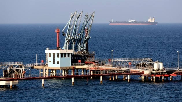 La  Armada de EE.UU. entrega el petrolero interceptado a Libia