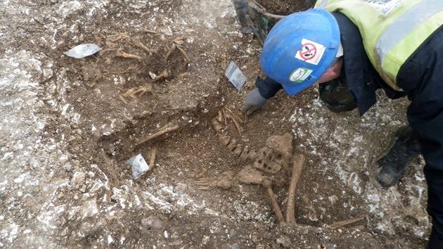En la Edad de Hierro también temían a los zombis: Hallan un esqueleto con los pies cortados