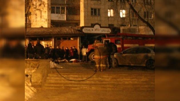Un incendio dejó más de 100 muertos en Perm (Rusia)