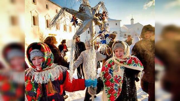 Moscú vive sus carnavales navideños