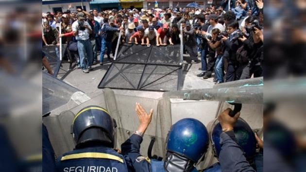 Los maestros de Acapulco, en huelga contra los narcotraficantes