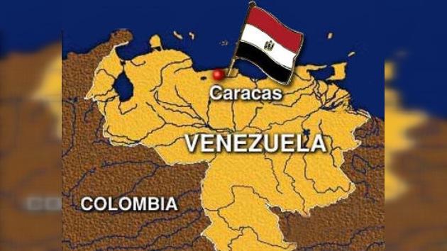 Un grupo de jóvenes asalta temporalmente la embajada de Egipto en Caracas