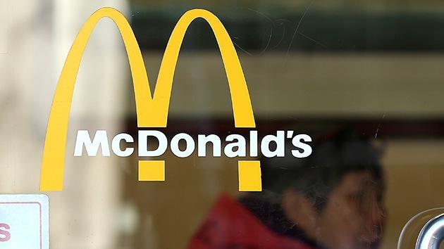 McDonald's explotó en EE.UU. a estudiantes extranjeros que pagaron para trabajar ahí