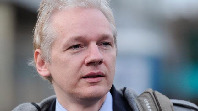 Primer paso para la extradición de Assange: la Policía lo obliga a acudir a comisaría