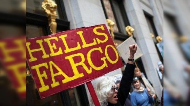 Imágenes: detenciones durante la protesta popular contra Wells Fargo
