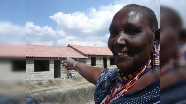 La Reina Sofía visita Kenia para supervisar proyectos humanitarios