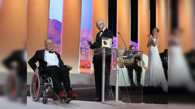 El Festival de Cannes 2011 entrega su primer premio a Bernardo Bertolucci