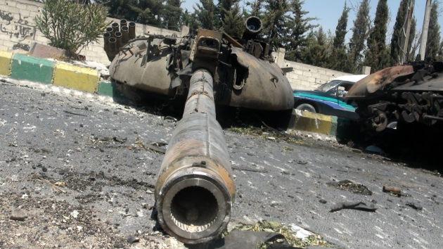 Los insurgentes en Siria reclaman armas pesadas a sus amigos extranjeros