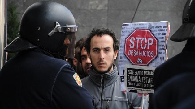 Detenidos al impedir el desalojo de una anciana con alzhéimer en España