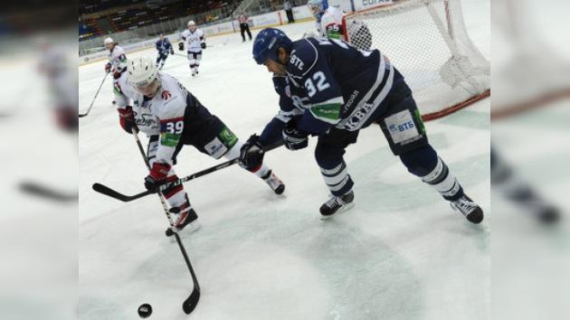 KHL: Dinamo entierra al Sibir en un festival de goles