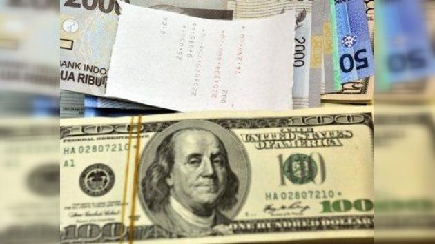 ¿Puede el dólar derrocar a gobiernos 'no deseados'?