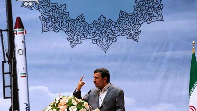 """Mahmud Ahmadineyad: """"Quiero ser el primer iraní en ir al espacio"""""""