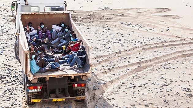 Canarias: Trasladan inmigrantes en un camión de basura por sospecha de ébola