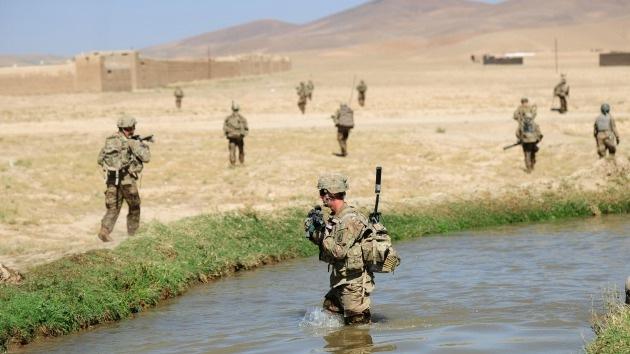 La OTAN advierte que retirará todas las tropas después de 2014 si Karzai no firma el pacto