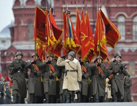 Recrean el histórico desfile del 7 de noviembre de 1941 en la Plaza Roja