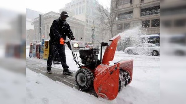 Una tormenta de nieve paralizó la costa del Este estadounidense