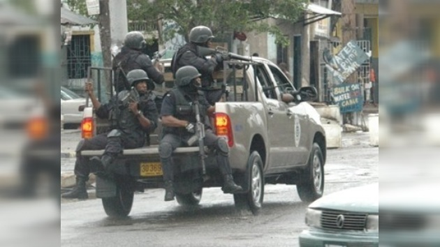 Los choques en Jamaica impiden el tráfico aéreo del país