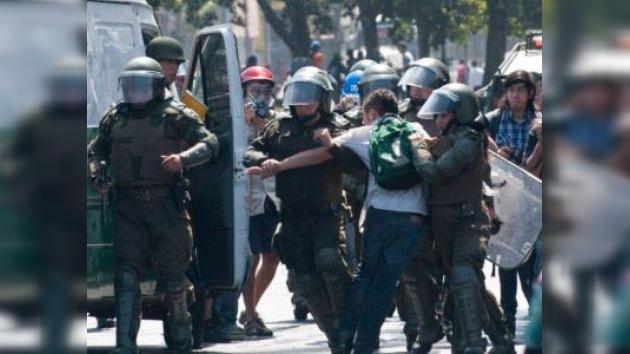 Decenas de detenidos en la primera marcha estudiantil de 2012 en Chile