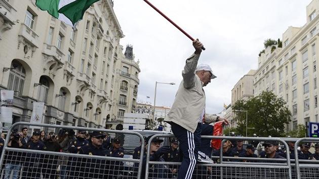 Ignorar las demandas de los manifestantes merma el prestigio político del Gobierno español